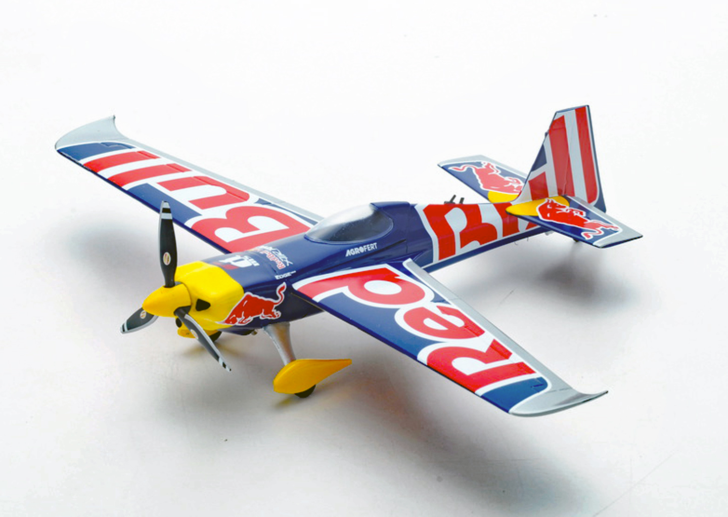 Zivko Edge 540 V3 - Red Bull Air Race [s2305 / sr042718